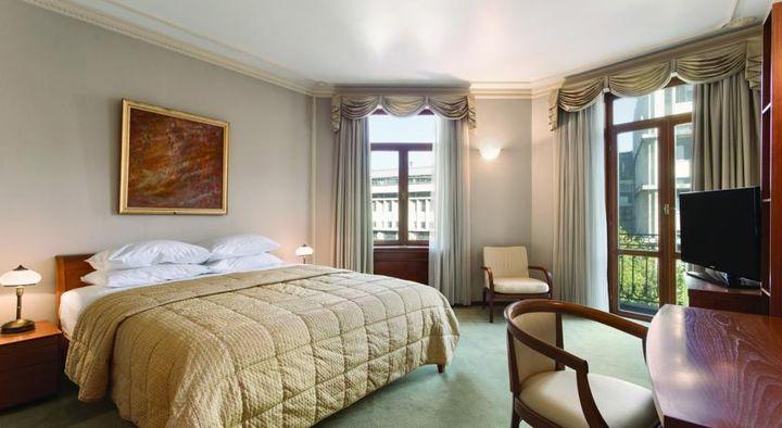ビジネス、金融、文化、ショッピングセンターが集結するブカレストの中心部の4つ星ホテル