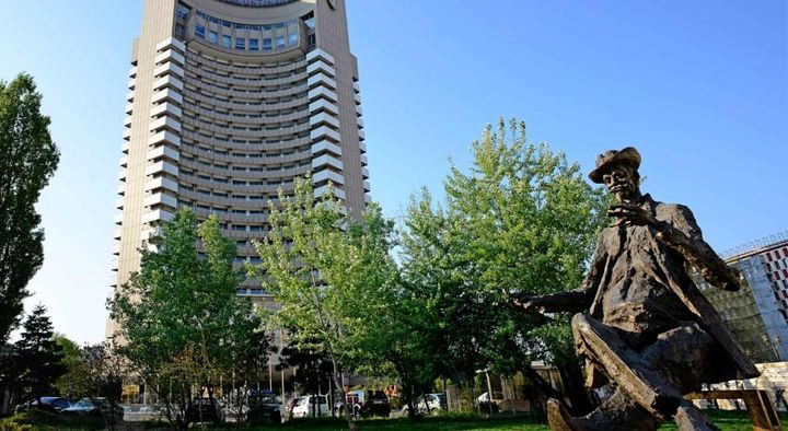ブカレスト中心部の素晴らしい景色を楽しめる5つ星ホテル