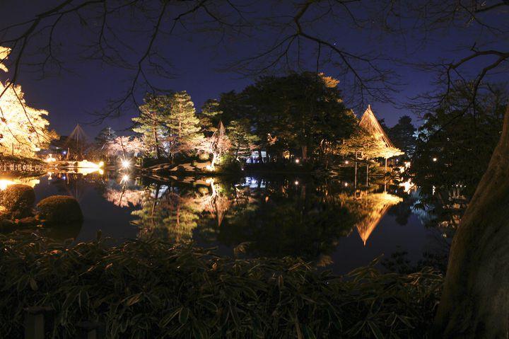 加賀百万石の城下町。夜を愉しむ金沢観光スポット15選