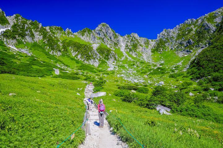 まるでアルプスの絶景!日本のスイスと呼ばれる「千畳敷カール」が美しすぎる