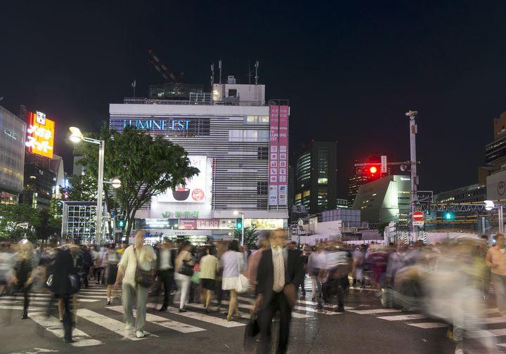 """東口だけでは会えない?迷宮""""新宿""""で絶対に会える「待ち合わせスポット」5選"""