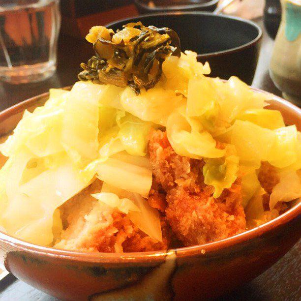 """歓楽街で愛された味。「すずや」の""""とんかつ茶漬け""""が歌舞伎町の女王たちの胃袋掴む"""