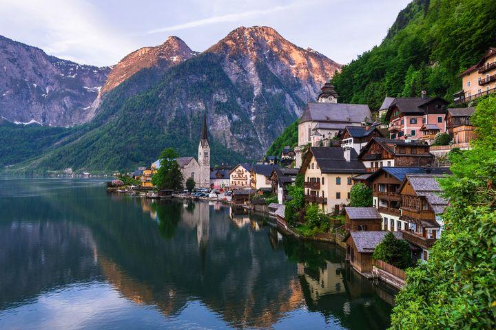 世界一美しい湖畔の街!ハルシュタットの街を見に行こう