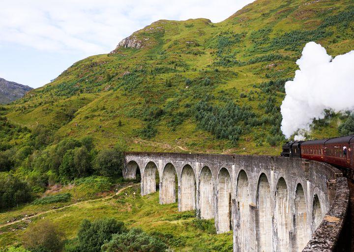 """車窓からの美しい景色!世界にある""""車窓から絶景を見られる列車""""5選"""