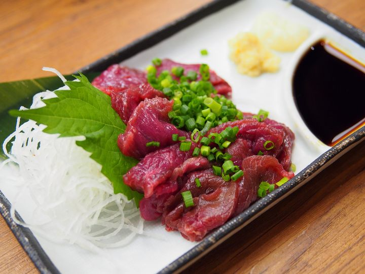 """ヘルシーで超美味しい!""""新宿エリア""""で絶品「馬肉料理」が楽しめる名店5選"""