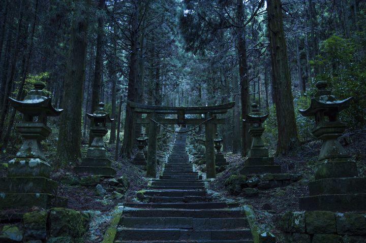 身震いするほどの異空間。熊本の「上色見熊座神社」が神秘的すぎる