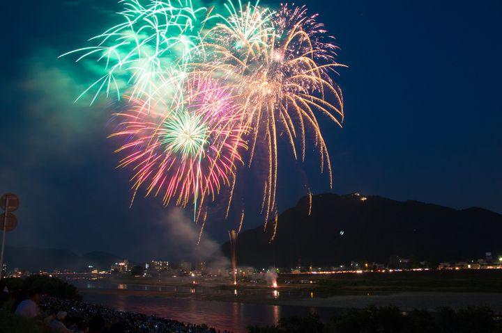 大迫力の海上花火が大人気!北陸の花火大会ランキングTOP10【2016年】