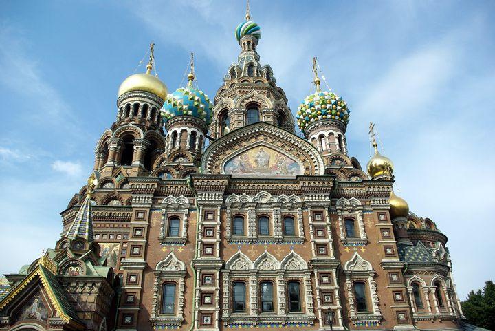 どこを見ても豪華絢爛!ロシアにある美しい「血の上の救世主教会」とは