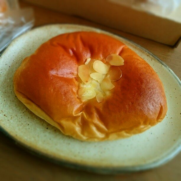 とろーりクリームがたまらない!大阪の「絶品クリームパン」のお店5選