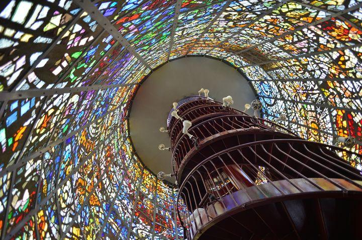 日本でも見られる!「ステンドグラス」が神秘的で美しい建物10選