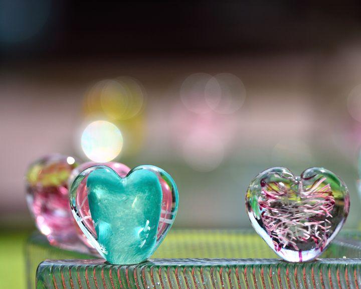 """心ときめく夏にしよう!日本全国の""""神秘的なキラキラガラスアートの美術館"""""""
