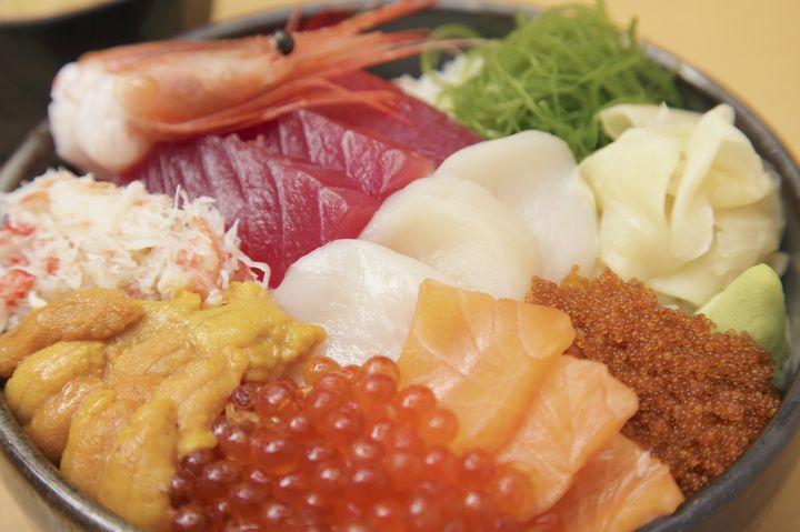 """安くて美味しい絶品揃い!""""新宿""""で絶対食べたい「丼もの」グルメの名店5選"""