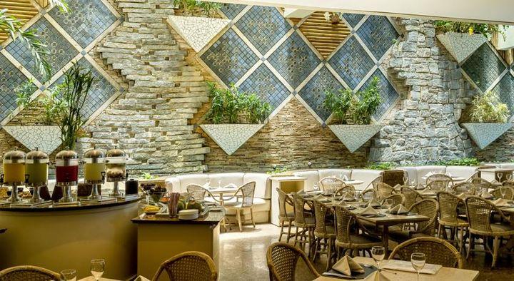 5つ星のグランド メルキュール レシフェ アトランテ プラザの中のシーフード・レストラン