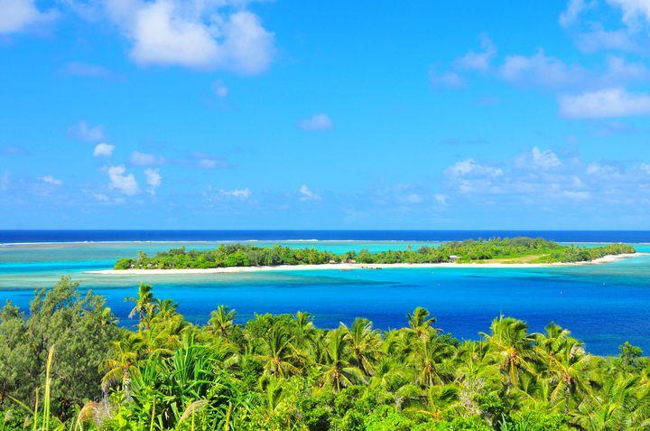ジャングルの中に潜む青の楽園。バヌアツの「ブルーホール」が美しすぎる
