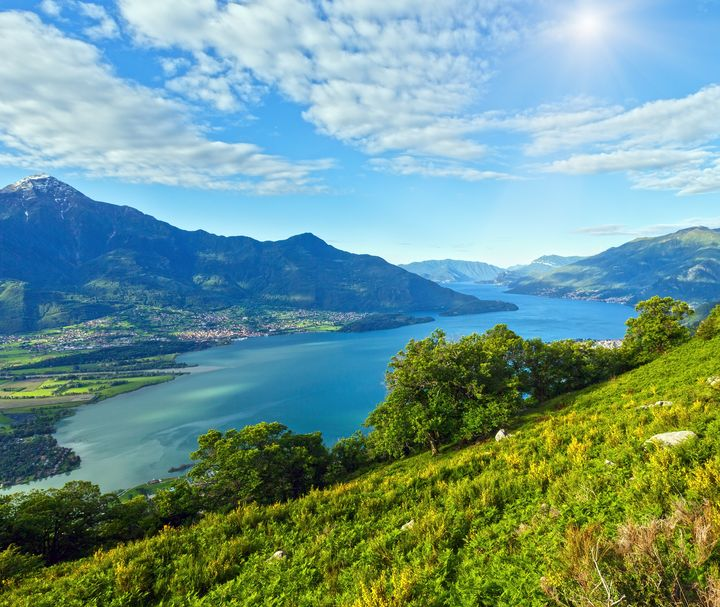 イタリア人気の観光地!湖水地方で綺麗な湖めぐりがしたい♪
