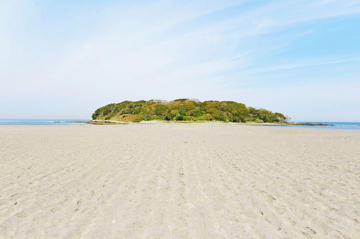 都心から2時間で行ける無人島!一日中絶景を楽しめる「沖ノ島」とは