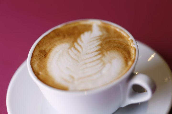 可愛すぎて飲めない!キャラクターラテアートが楽しめる台湾のカフェ「性格」とは