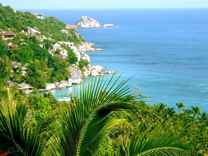 透明度抜群のビーチ!雨季でも楽しめるタイの絶景離島「タオ島」の魅力とは