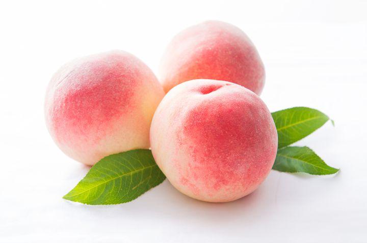 """大胆かつジューシー!浦和で見つけた""""桃をまるごと使った""""ケーキとは"""