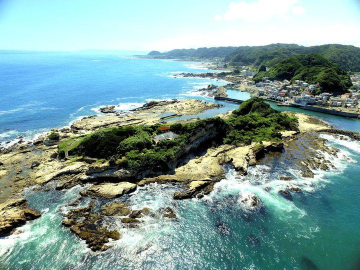 都心から日帰りOKな穴場の楽園!自然と歴史が溢れる「仁右衛門島」とは