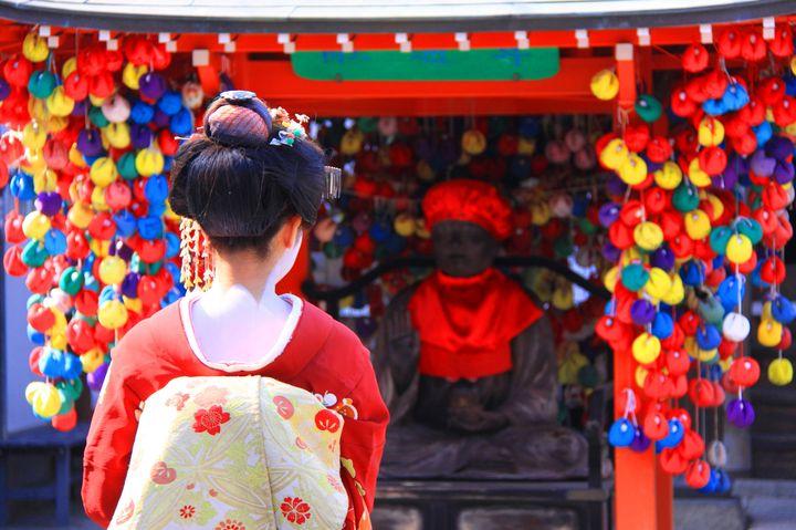 """欲を捨てると願いが叶う!京都・八坂庚申堂の""""くくり猿""""が女性に人気の秘密とは"""