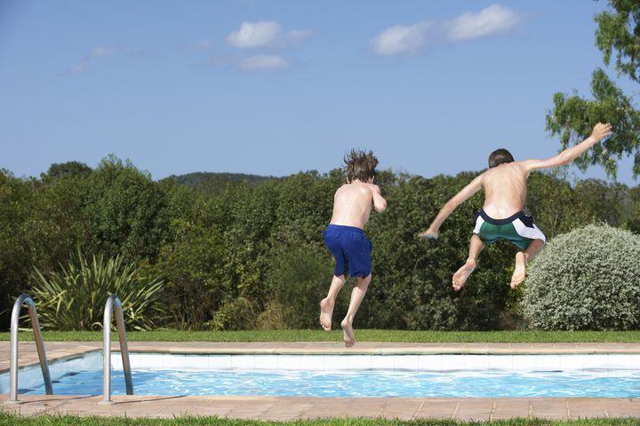 いよいよ夏がやってくる!この夏行きたい東京都内のプール4選