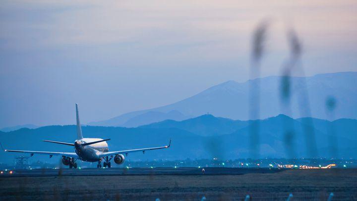 機内でも快適にすごしちゃおう!飛行機に持ち込むと便利なアイテム10選