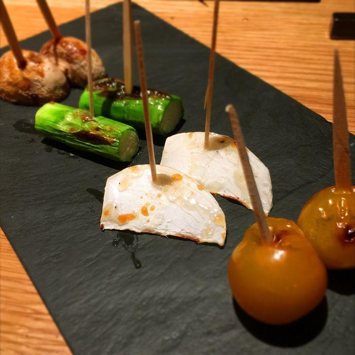 今夜はここで乾杯!東京都内の絶品焼き鳥が食べられるお店7選をご紹介