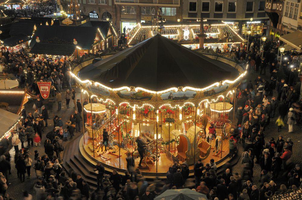 """そんな方にオススメなのが、ヨーロッパの""""クリスマスマーケット""""を巡る旅。クリスマスマーケットというのは、中世から続くクリスマス前4週間ほどのお祭りで、発祥の地と言われるドイツのマーケットは特に素敵なんです。今回は、「クリスマスマーケットに行くべき理由」をご紹介します。"""