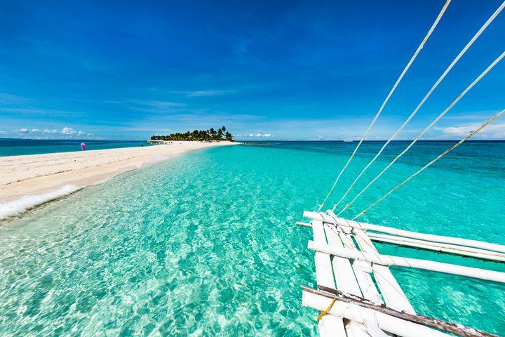 """フィリピンに存在する天国の島!一度は訪れたい""""カランガマン島""""とは"""