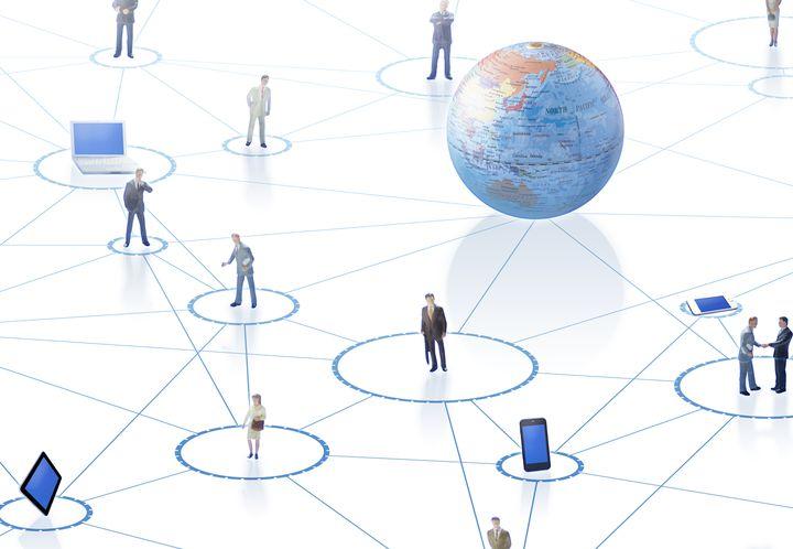 海外旅行中もスマホを使いたい!海外でインターネットに接続する方法