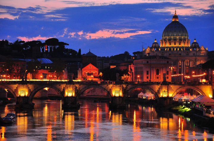"""心奪われる程美しい!神秘的な世界に浸れる""""ヨーロッパの教会""""10選"""