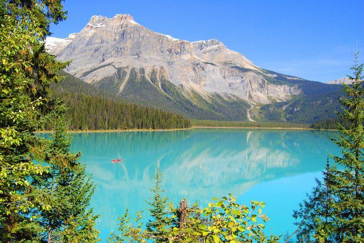 """息を呑むほどの絶景!死ぬまでに見たいカナダの""""美しい湖""""10選"""