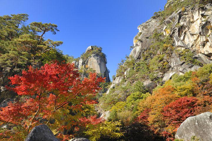 山梨屈指の紅葉スポット!「御岳昇仙峡」の紅葉が美しすぎる