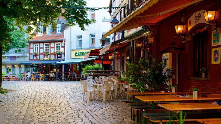 ドイツの古い街並みを眺めながらリンゴ酒で乾杯!ザクセンハウゼン地区