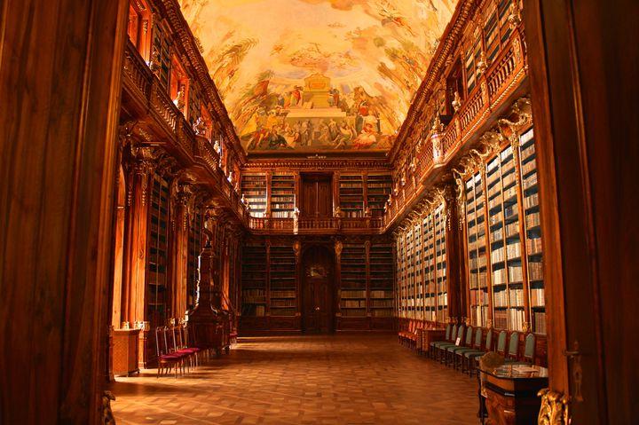 世界で最も美しい図書館!チェコにある「ストラホフ修道院」に行ってみたい