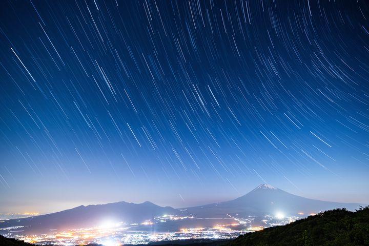 """【終了】夜景×プロジェクションマッピング!六本木ヒルズで""""星空のイルミネーション""""開催"""