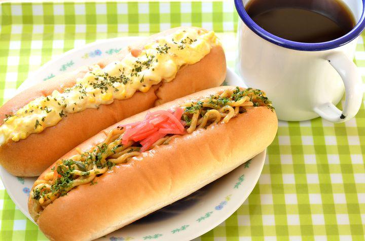 """あの味をもう一度。東京都内で昔ながらの""""惣菜パン""""が食べられる店7選"""