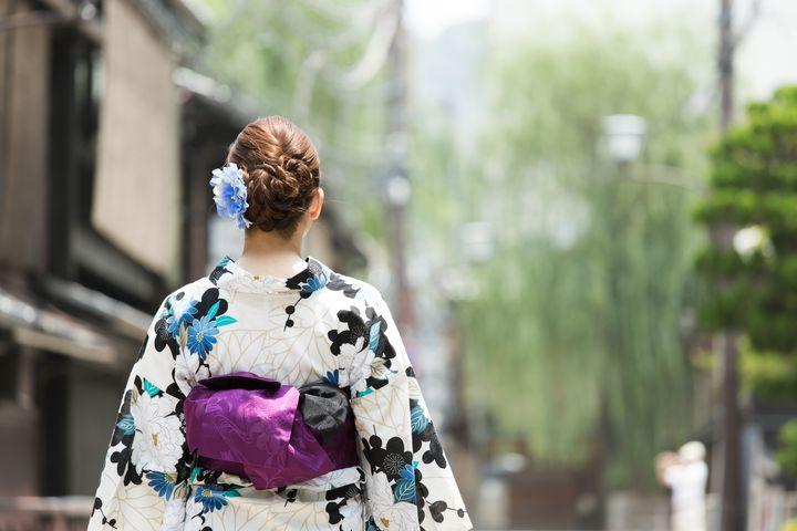 可愛い和服で出かけよう!京都で着付けもしてくれる貸衣装屋10選