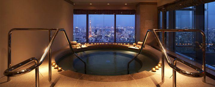 世界が認める究極の贅沢を六本木で。ホテル「ザ・リッツ・カールトン東京」とは