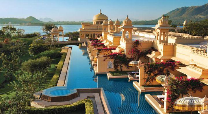 一度は泊まりたい!フォトジェニックなプールがある世界の絶景ホテル10選