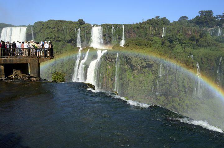 足の下にはワクワクのステキな冒険が待っています 中南米への旅行をおすすめする20の理由