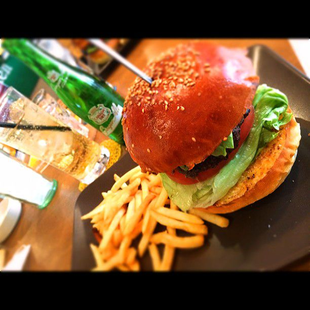 大阪でしか食べられない!大阪のおすすめ絶品ハンバーガー10選