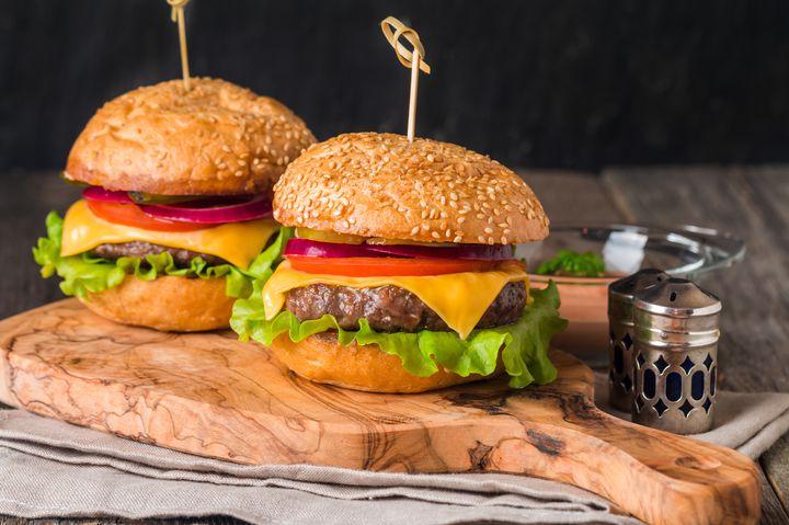 溢れる肉汁が止まらない!新宿で本格的なハンバーガーが食べられるお店9選