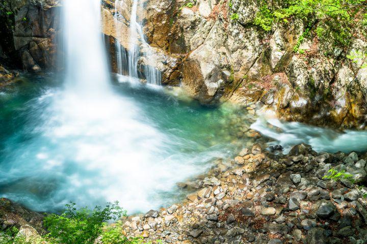 壮大なスケールにマイナスイオンを感じる!ベトナム秘境の滝「ポンガの滝」