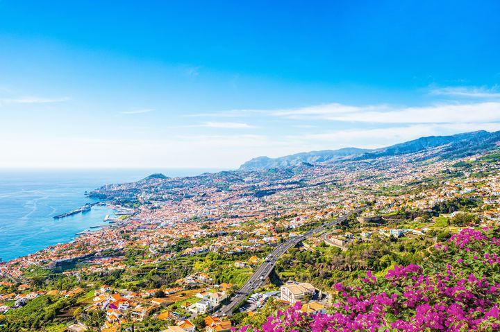 """""""大西洋の真珠""""と言われる「マデイラ諸島」花に彩られた美しい街"""
