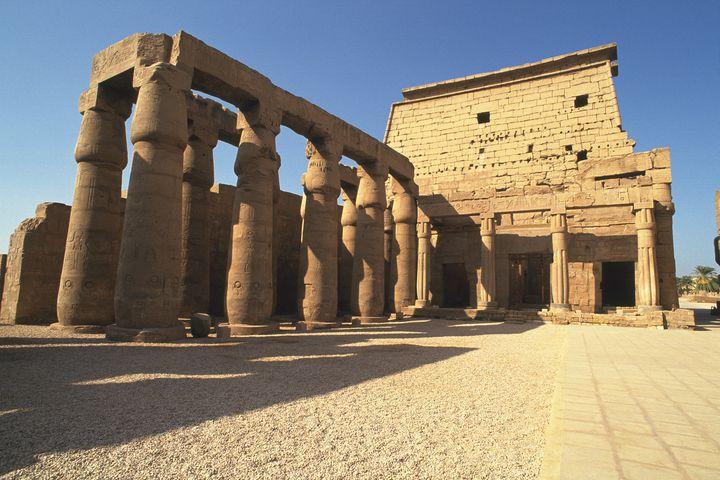 神秘的すぎる!聖なる都「ルクソール神殿」エジプト新王朝時代の遺跡