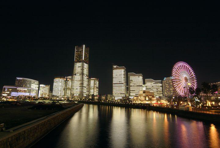 【終了】みなとみらいのオフィスが総勢でライトアップ!一夜限りの「タワーズミライト」開催