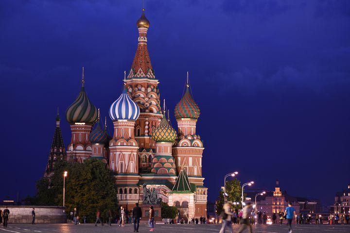 おとぎ話の国から来たカラフルな玉ねぎ!ロシア「聖ワシリイ大聖堂」に訪れたい