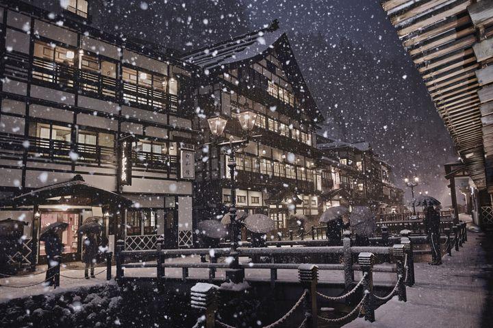 """寒さを忘れる旅に出る。日本全国""""冬の週末ひとり旅""""で行きたい目的地8選"""